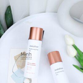 Nước Hoa Hồng Dưỡng Sáng Se Khít Lỗ Chân Lông Innisfree Brightening Pore Skin 150mL